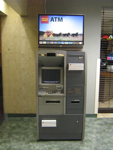 80,000 ATMs to be opened by non-banking entities in next 8