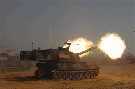 korea   Paladin Howitzer Photo by Pfc Leigh Armstrong, 2ID