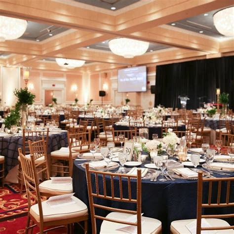 30 awesome places to get married in Michigan