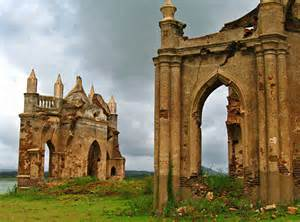 10 Abandoned Places In India That Are Hauntingly Gorgeous