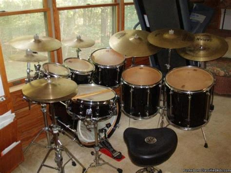 7 Piece Drumset: Premier Signia (Black) for Sale in Chapin